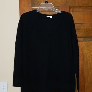 Gap sweater-see size info